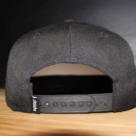 Snspback hat tag