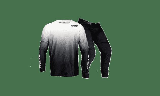 BlackOut Gear Set – Drapht – Front -Black – White – Final