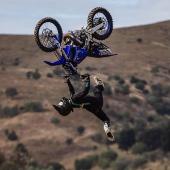 Freestyle Mx rider Callum Shaw in the black/teal motocross gear
